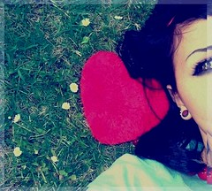 L o 7 a t // '3 a r a m ii (Sexy 5aroofah  .. [Proud Qatarii]) Tags: red sexy heart khalid galb galbii 5aroofah lo7at 3aramii 3awoosh q6ryah