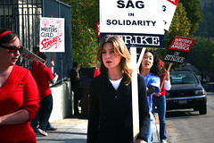 1st9628 (backstory1) Tags: losangeles workers union solidarity silverlake writers labour strike sag wga organizedlabor graysanatomy ellenpompeo sandraoh philiphalprin