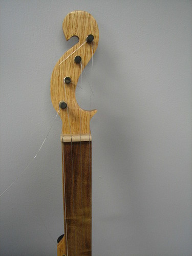 Cookie Tin Banjo headstock