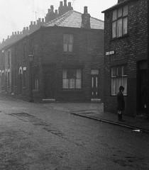 A Lancashire street corner, 1969. (Fray Bentos) Tags: street lancashire sthelens gaslight backtobacks terracedhouses