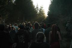 """Raver manifesto at teknival """"les insoumis"""" (SpUtNik 23 -RUR und MKZ) Tags: forest la du system sound pal foret raver marche teknival manifestation victoire sommes jeunes libration teufeur tekos fiers vestide raveur insoumis"""