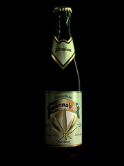 cerveza (Giancarlo Mella (OFF)) Tags: italy beer photography photo cerveza digitalcamera bier birra hdr cannabis mella bottiglie pivo giancarlomella