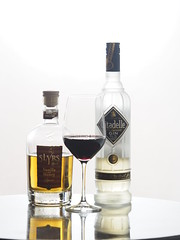 © Alcoholic Drink Bottle Honey Whisky Liqueur Glass of Red Wine (hn.) Tags: alcohol alcoholic alkohol alkoholisch bottle citadelle citadellegin citadellereserve citadellereservegin drink flasche getränk gin ginbottle glas glaswein glassofredwine glassofwine likörvanillahoney redwine rotwein slyrs slyrslikör slyrslikörvanillahoney slyrsvanillahoneyliqueur slyrswhiskyhoneyvanillaliqueur spirit table tisch trinken vanillaandhoney vanillaandhoneyliqueur vanillahoneyliqueur vanillehonig wein weinglas whiskey whisky whiskyhoneyvanillaliqueur whiskyliqueur whiskylikör wine wineglass