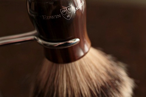 Edwin Jagger Chatsworth Horn Silvertip Brush