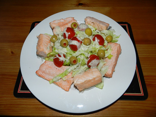 Nuked salmon with salad