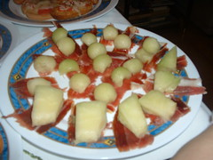 Bolas de meln con jamn (Alex Hangdog) Tags: food recipe fuji comida bolas queso meal finepix plato jamon receta