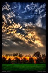 Lexington Sunset (mlindqvist) Tags: sunset colors clouds nikon lexington kentucky ky vivid magnus hdr vr lindqvist 18200mm 3xp photomatix supershot d80 weatherphotography abigfave anawesomeshot mlindqvist