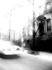 Carrie's House ([SpAb]) Tags: door usa ny newyork building stairs blackwhite remember manhattan entrance sexandthecity ontheroad satc perryst serietv bncitt likeamovie carriebradshawhouse