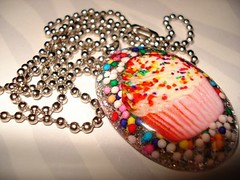Cupcake Necklace 2