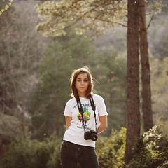(Salva Lpez) Tags: sunset sunlight primavera girl forest canon ana spring 50mm14 fonts pyrenees pirineos cardener salva lpez 40d 400d bububob