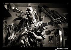 Luca Giordano (mdafoto) Tags: madrid music guitar live concierto guitarra blues msica directo giordano canon30d lucagiordano canon24105mmf4lis mdafoto wwwjazzmadcom jazzmad mdaf adrinmateos peachesstatenbluesband