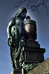 Père Lachaise_2657 (Sleeping Spirit) Tags: cimetière pèrelachaise cemetary cemetaries