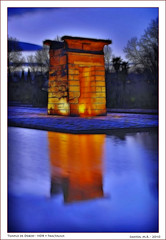 Templo de Debod, Madrid (Santos M. R.) Tags: madrid blue water azul temple mirror agua nikon dynamic martin santos hour hora espejo reflejo hdr templo debod d80 fractalius santosmr