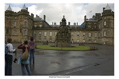 22 At HolyroodHouse (MikeLeone) Tags: marie scotland edinburgh courtyard marlene holyroodhouse ween virgina ginny