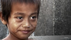 : the grave cleaner (Lakad Pilipinas) Tags: street boy portrait people cemetery kids kid eyes asia sad philippines manila southeast undas luzon malabon november1 kalye allsoulsday canonpowershots3is tugatog audioscience sangoyo malabonpubliccemetery christianlucassangoyo