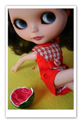 Watermelon (erregiro) Tags: animals sisters doll colours twin save pop blythe custom pili mili 60 sixties gemelas hermanas sesenta asil erregiro
