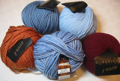 Yarn for Paperino's sweater