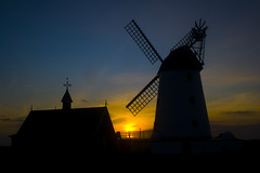 Lytham Windmill (Ian Lambert) Tags: winter sun windmill silhouette set night coast day artistic dusk expression lancashire lytham end if lancs cubism fylde blueribbonwinner artisticexpression flickrsbest golddragon mywinners abigfave cmeradeourobrasil anawesomeshot superbmasterpiece travelerphotos infinestyle diamondclassphotographer flickrdiamond ysplix theunforgettablepictures brillianteyejewel excapture naturessilhouettes betterthangood theperfectphotographer goldstaraward absolutelystunningscapes spectacularsunsetsandsunrises