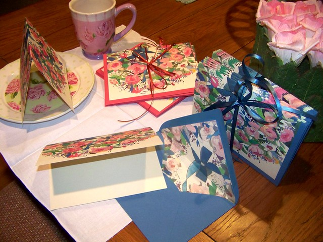 Pink or blue blank note cards