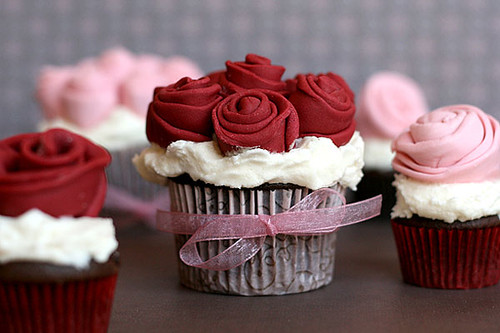 Rose Covered Cupcakes por Bakerella.