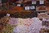 Kruidenbazaar, zoetigheden (René Mouton) Tags: turkey nikon türkiye istanbul nikond50 sweets turkije turkishdelight egyptianbazaar snoep zoetigheden herfstvakantie kruidenbazaar egyptischebazaar turksfruit 11oktober2007 misirçarsisi alemdarcaddesi meydanimisir