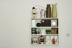 (sandra juto) Tags: white green home kitchen wall radio avocado tea salt plate shelf vase espresso campbell heinz tins babushka myeverydaylife lenacorwin royalkrona buttcrackcharacter