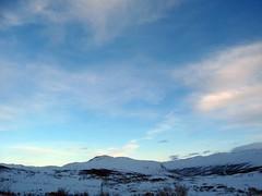 Hemsedalsfjellet sunset 2 v2 (KOKONIS) Tags: blue winter sunset sky mountain snow mountains norway clouds easter landscape norge vinter europa europe dusk pass scandinavia fjell hemsedal solnedgang landskap stlandet buskerud hemsedalsfjellet mrgniqq