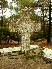 (angeloska) Tags: love grave cross hiking ikaria crime april blogged 1945  hikingikaria  ikarianenigma   martyroflove