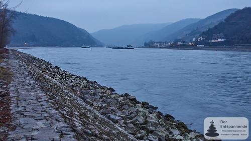 Rhein bei Bingen mit Assmannshausen