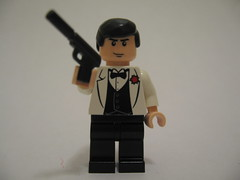 Lego James Bond (Pierce Brosnan) (batboy2424) Tags: james lego bond pierce minifigure brosnan
