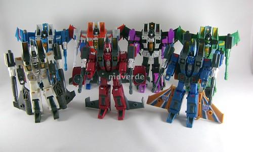 Transformers Thrust Classic Henkei vs Classics Seeker Jets - modo robot