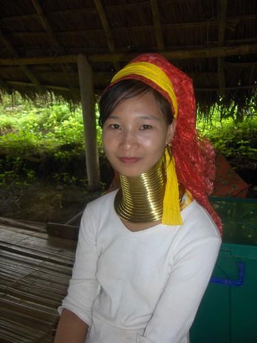 Longneck Padong Girl