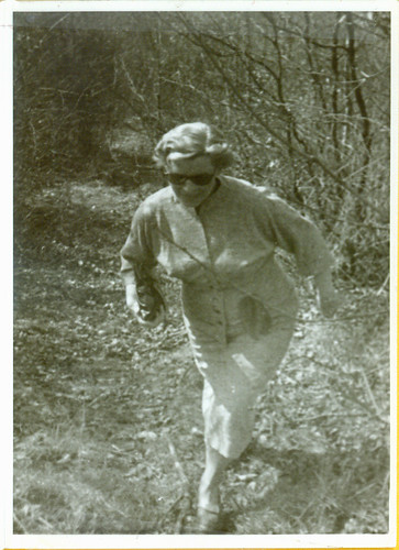Frau Fritz Wassermann approaches