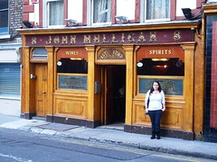 An ex-mulligan outside a bar that used to be owned by mulligans