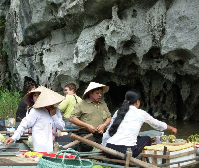 Sur l'eau-Tam Coc (1)