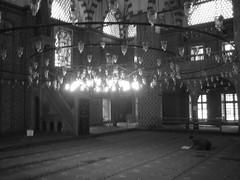 Estambul 2005 (Kikebey) Tags: viajes mezquita hombre allah estambul suleymaniye eminonu orar rustempasha mezquitas bósforoviajes kikebey