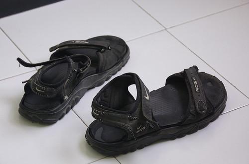 floor sandals nike acg