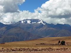 Sacred Valley landscape (dachalan) Tags: snow mountains peru southamerica cuzco landscape cusco glacier andes sacredvalley nikoncoolpixp1 dachalan photofaceoffwinner elvallesagrado pfosilver peruvianimages