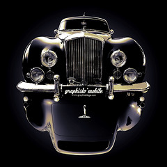 { Bentley } (graphistolage) Tags: old david france car composition canon rollsroyce british expensive infographie luxe bentley orlans 400d graphistolage bratanesque