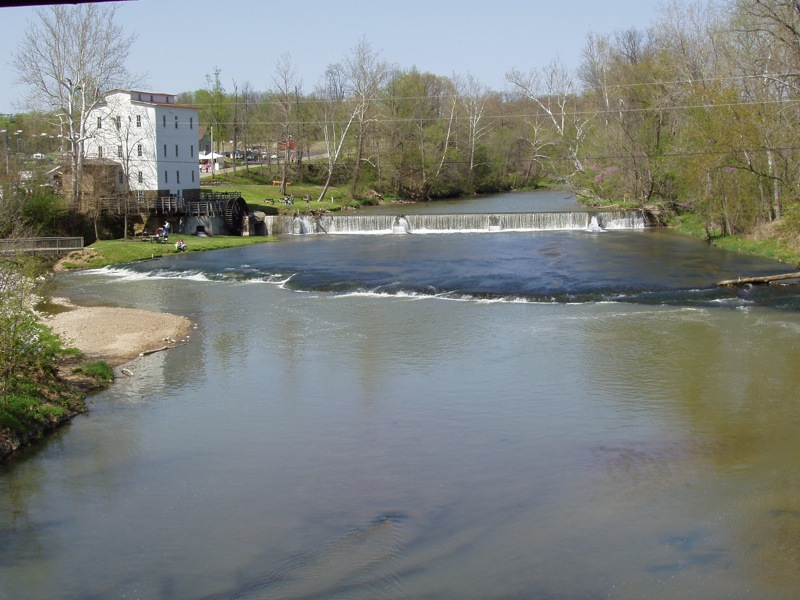 raccoon_river.jpg