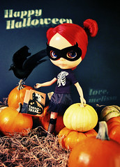 halloween card (Super*Junk) Tags: halloween miniature costume doll mask trickortreat pumpkins blythe crow lenore rougenoir puchicollective