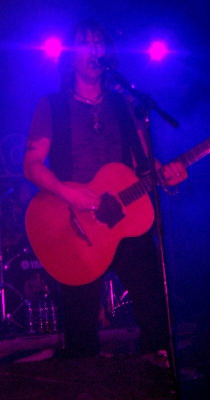 Justin Sullivan, cantante