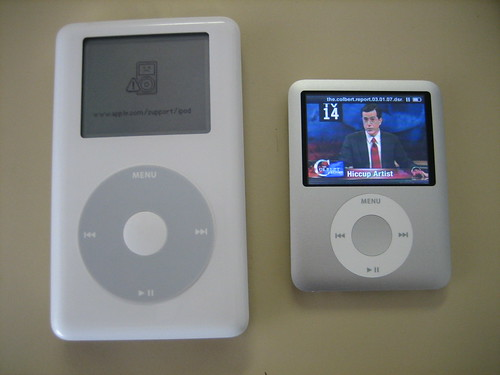 Old 20GB iPod vs 4GB iPod Nano
