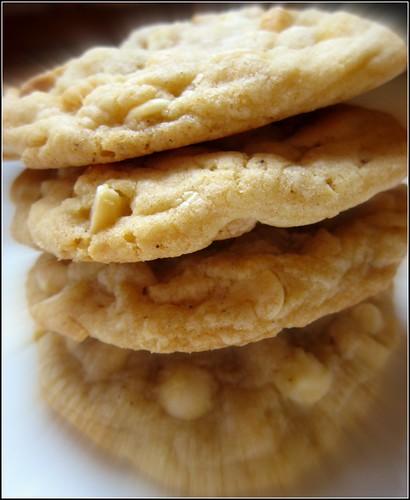 macadamia nut cookies image