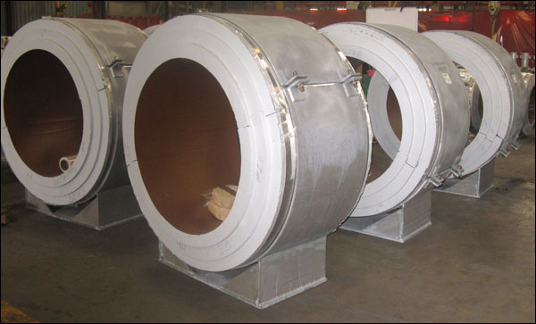 insulated pipe supports designed for cryogenic temperatures down to 320°F in an LNG facility