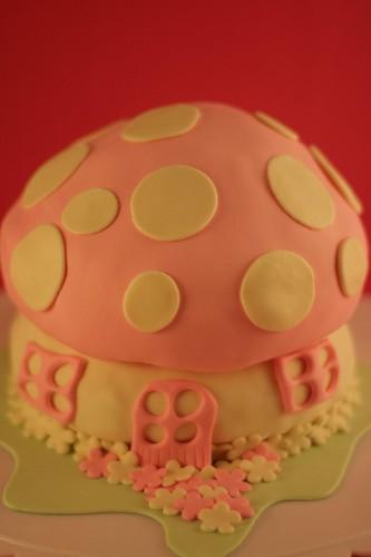 smurfs cake house= şirinler'in pasta evi