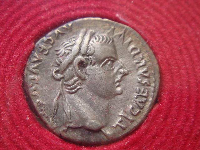 العملة المذكورة بالانجيل من زمن سيدنا المسيح ع The Biblical Tribute Penny: Tiberius AR Denarius 16-34 AD; Obverse
