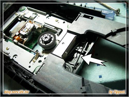 修理BenQ DVD燒錄器退片不良