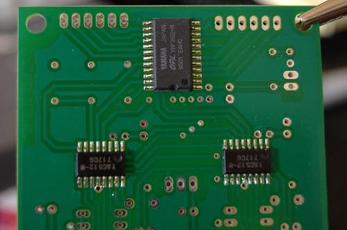 MIDIBoxFM: OPL3 & DACs