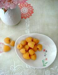 golden raspberries (sevenworlds16) Tags: ikea fruit golden berries vase raspberries